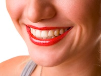 Find effective teeth whitening treatment in Leatherhead!